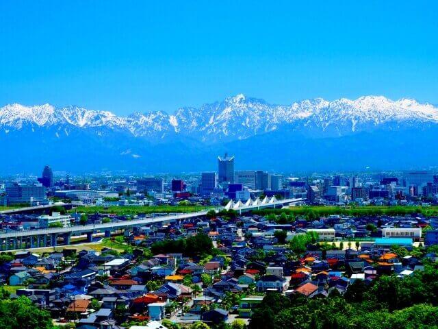 富山県の街並み